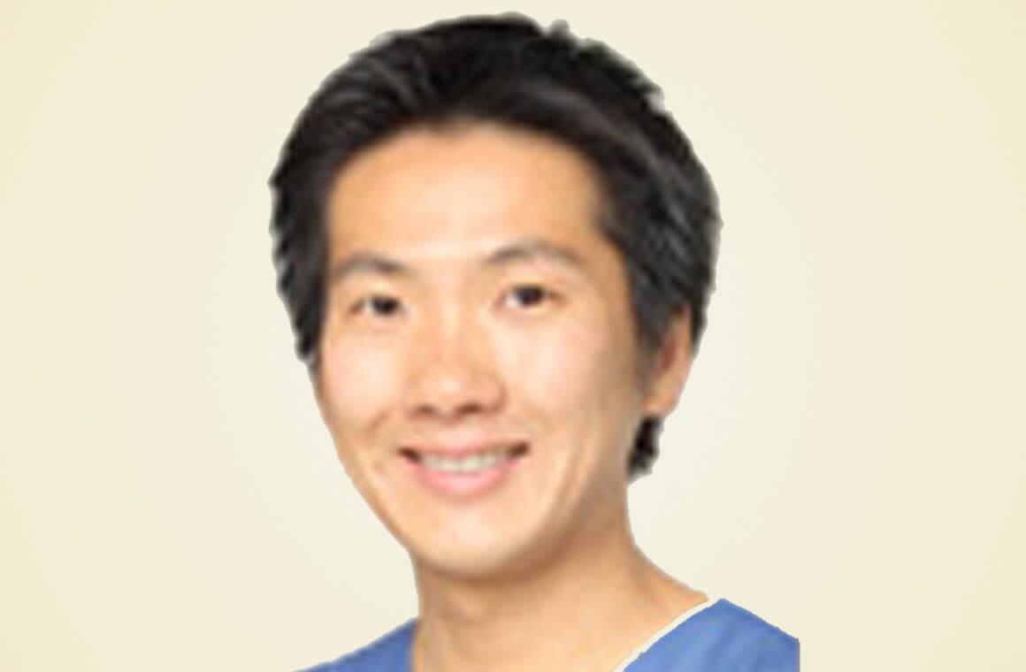 歯科医師免許取得歯学博士日本矯正歯科学会認定医 江口 祥生